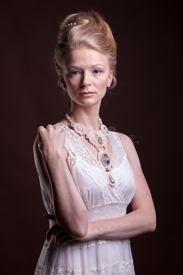 Portret van Mooie schitterende vrouw in victorian stijl royalty-vrije stock fotografie