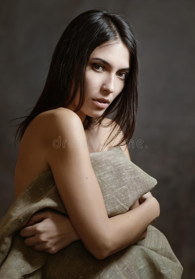 Portret van mooie sensuele vrouw stock fotografie
