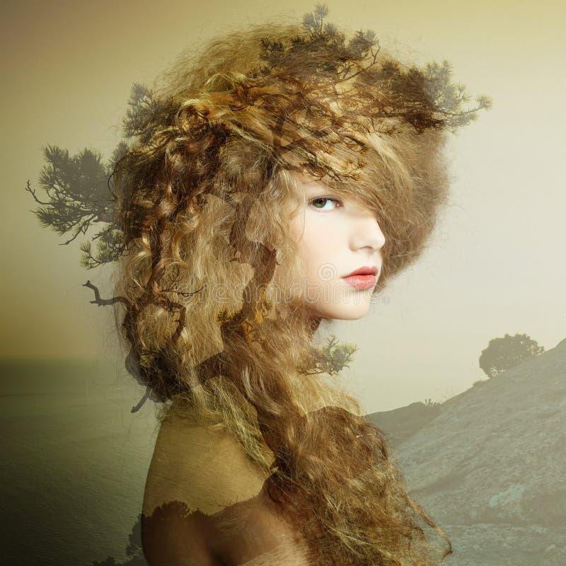 Portret van mooie sensuele vrouw met elegant kapsel royalty-vrije stock foto