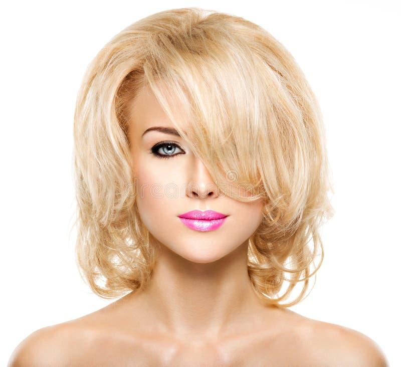 Portret van Mooie vrouw met blond haar Gezicht van manier stock afbeeldingen