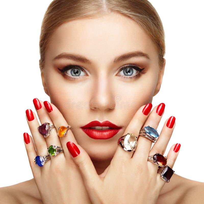 Portret van mooie vrouw met juwelen royalty-vrije stock foto