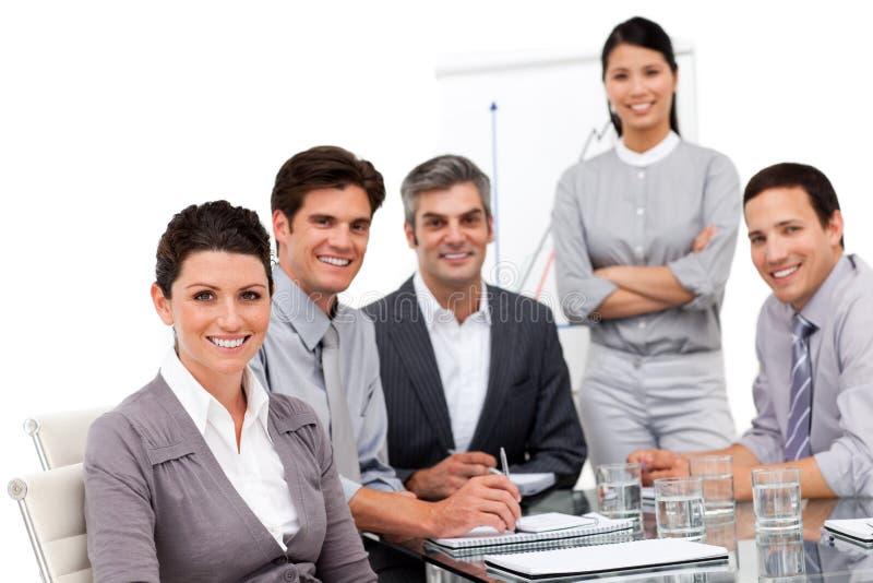 Portret van multicultureel commercieel team stock afbeelding