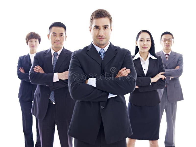 Portret van multinationaal commercieel team stock afbeelding
