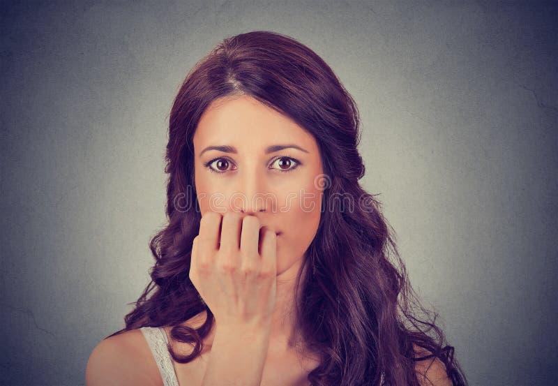 Portret van ongerust gemaakte vrouw royalty-vrije stock foto