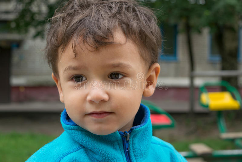 Portret van peinzende jongen royalty-vrije stock foto