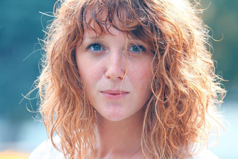 Portret van roodharig meisje royalty-vrije stock foto's