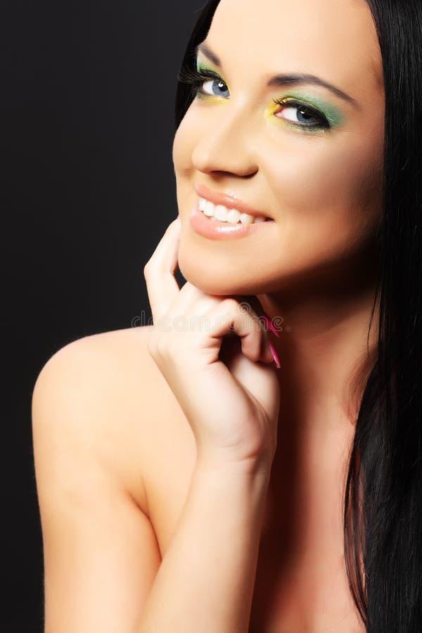 Portret van schoonheids glimlachende vrouw, make-up donker haar royalty-vrije stock fotografie