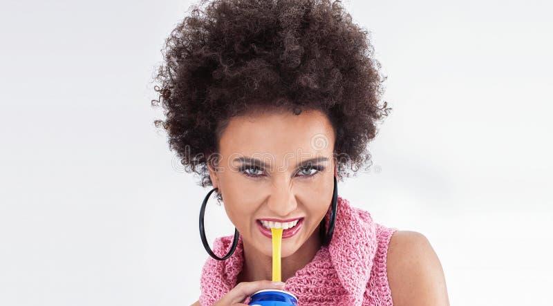 Portret van sensuele Afrikaanse Amerikaanse vrouw stock afbeelding