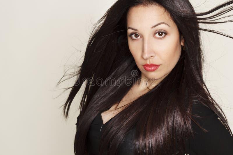 Download Portret Van Sexy Mooie Jonge Vrouw In Zwarte Leerkleding Stock Foto - Afbeelding bestaande uit kleding, betoverend: 54079582