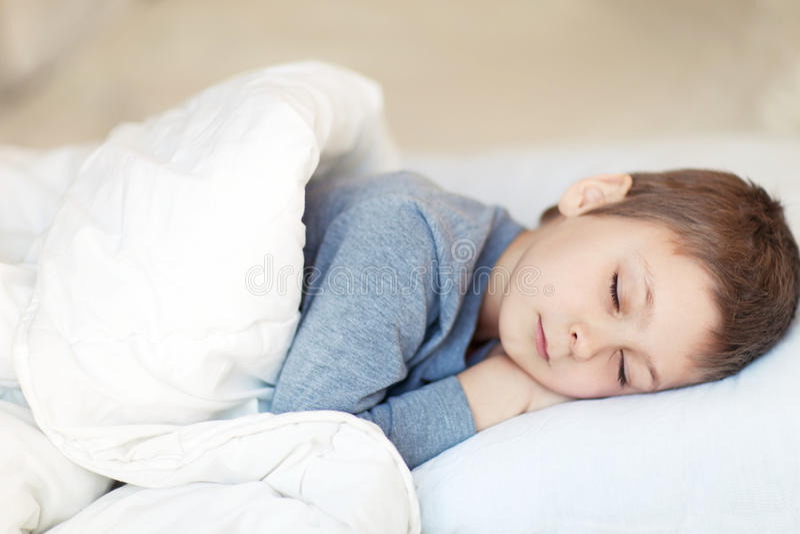 Portret van slaapjongen royalty-vrije stock foto's