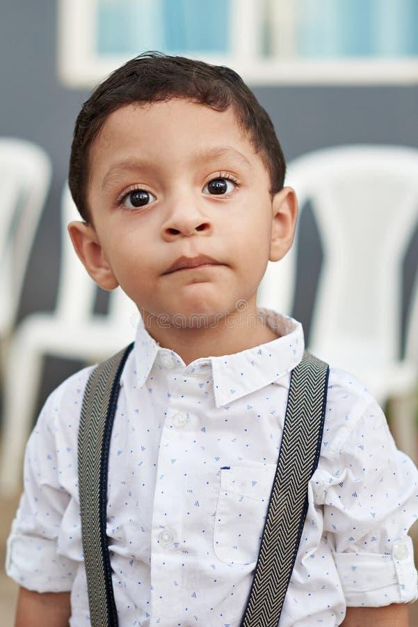 Portret van Spaanse jongen stock foto's
