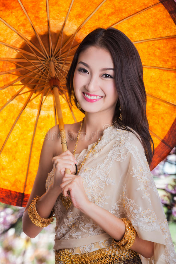 Portret van Thaise jonge dame royalty-vrije stock foto