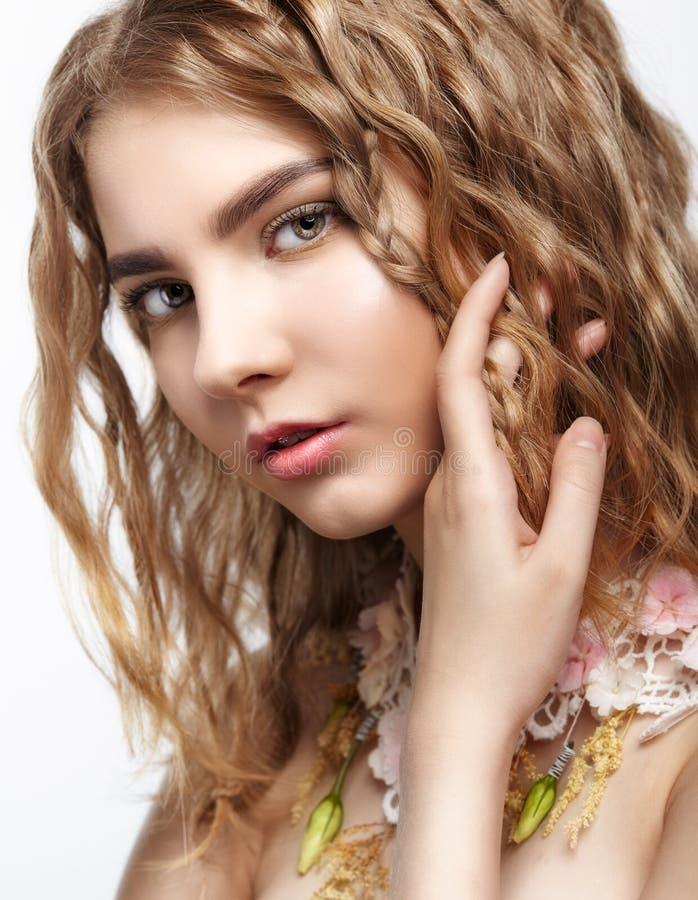 Portret van tienermeisje stock foto's