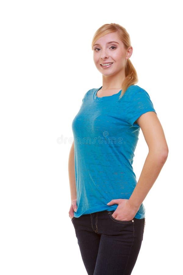 Download Portret Van Toevallig Blond Glimlachend Geïsoleerd Meisje Stock Afbeelding - Afbeelding bestaande uit blond, toevallig: 39116443