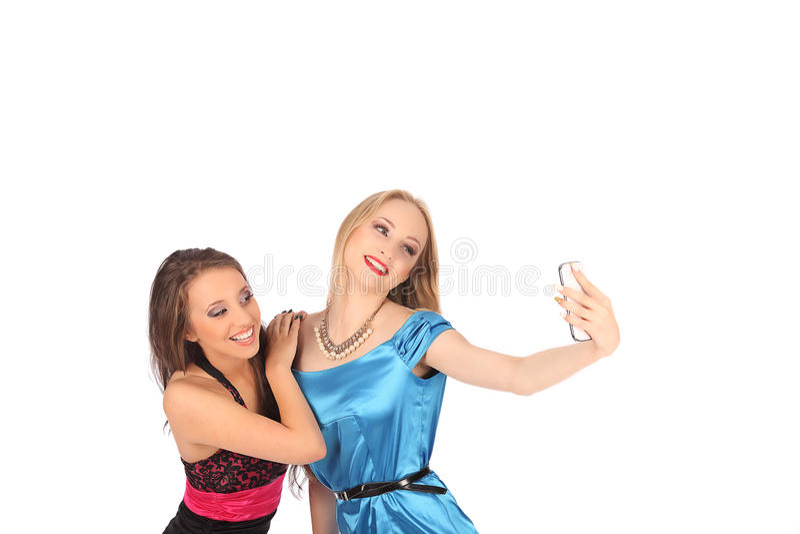 Portret van twee mooie meisjes die selfies maken royalty-vrije stock foto