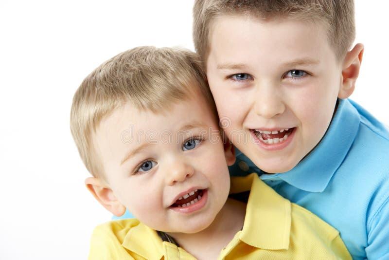 Portret van Twee Young Boys royalty-vrije stock afbeeldingen
