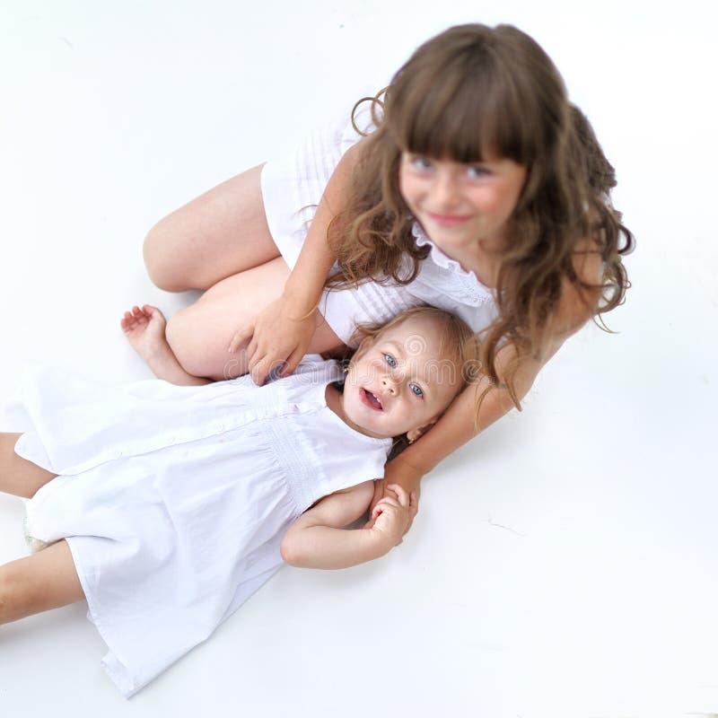 Portret van twee zusters royalty-vrije stock fotografie