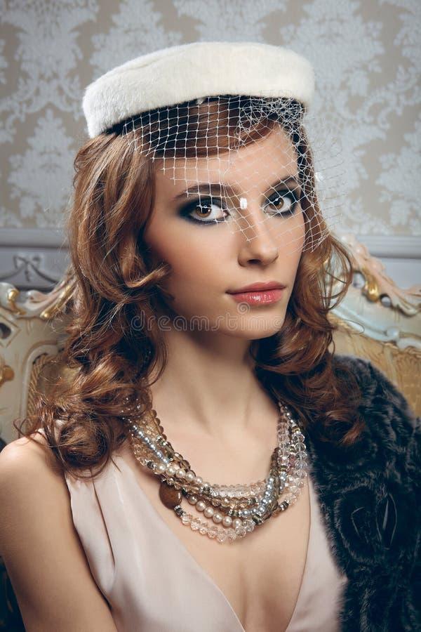 Portret van vrij jonge vrouw stock foto