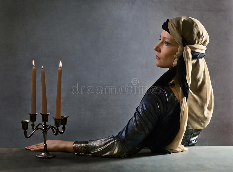 Portret van vrouw in de kleding van de Renaissance royalty-vrije stock afbeelding