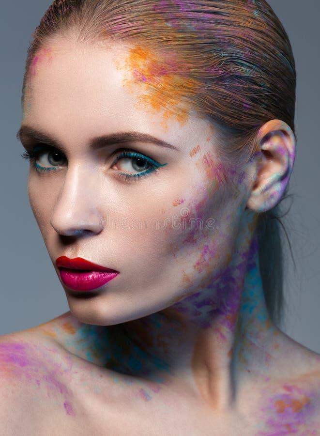 Portret van vrouw met een creatieve make-up royalty-vrije stock afbeeldingen