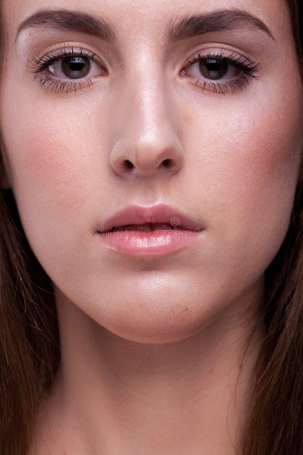 Portret van vrouw met perfecte huid en geen make-up royalty-vrije stock fotografie