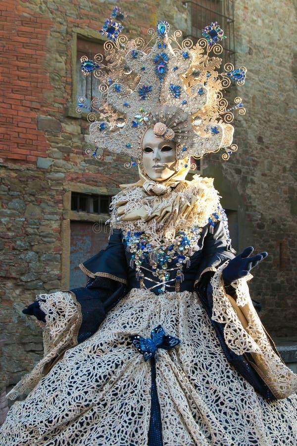 Portret van vrouw met prachtig Carnaval-masker stock fotografie