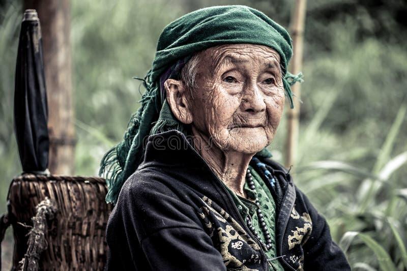 Portret van vrouw in Vietnam stock foto