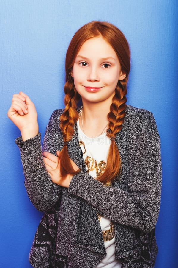 Portret van weinig 10 éénjarigenmeisje royalty-vrije stock fotografie