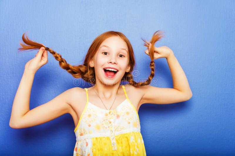 Portret van weinig 10 éénjarigenmeisje royalty-vrije stock afbeelding