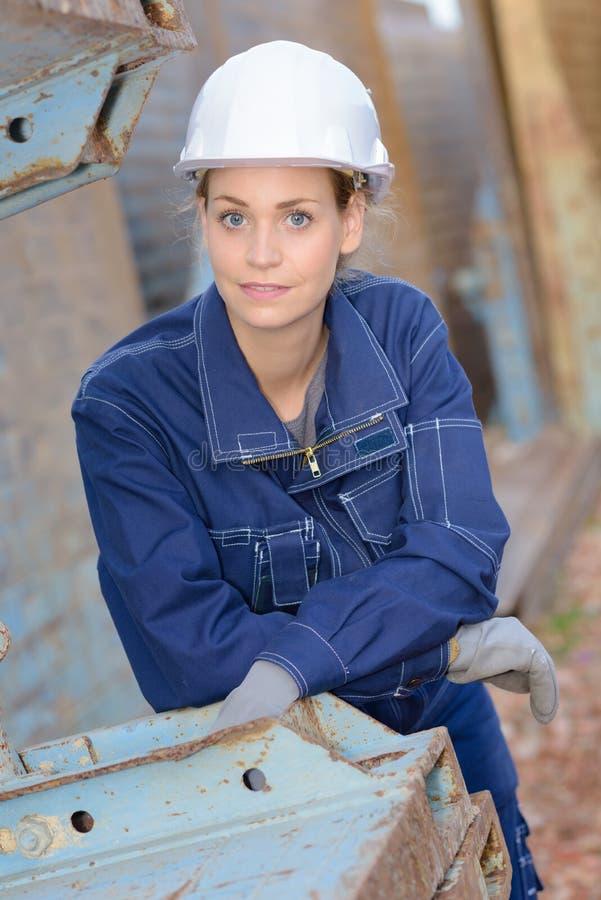 Portret vrouwelijke bouwvakker royalty-vrije stock fotografie