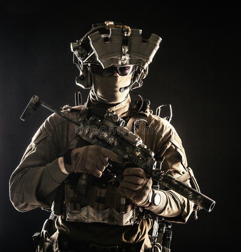 Portret w studiu żołnierza zdjęcie stock