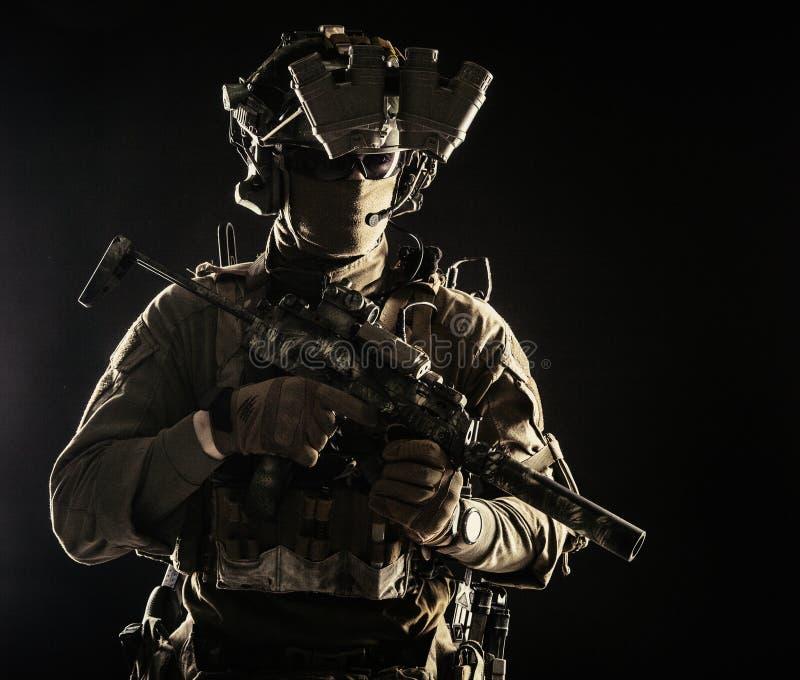 Portret w studiu żołnierza obrazy stock
