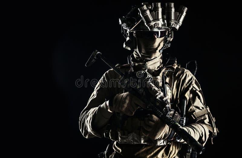 Portret w studiu żołnierza obraz royalty free
