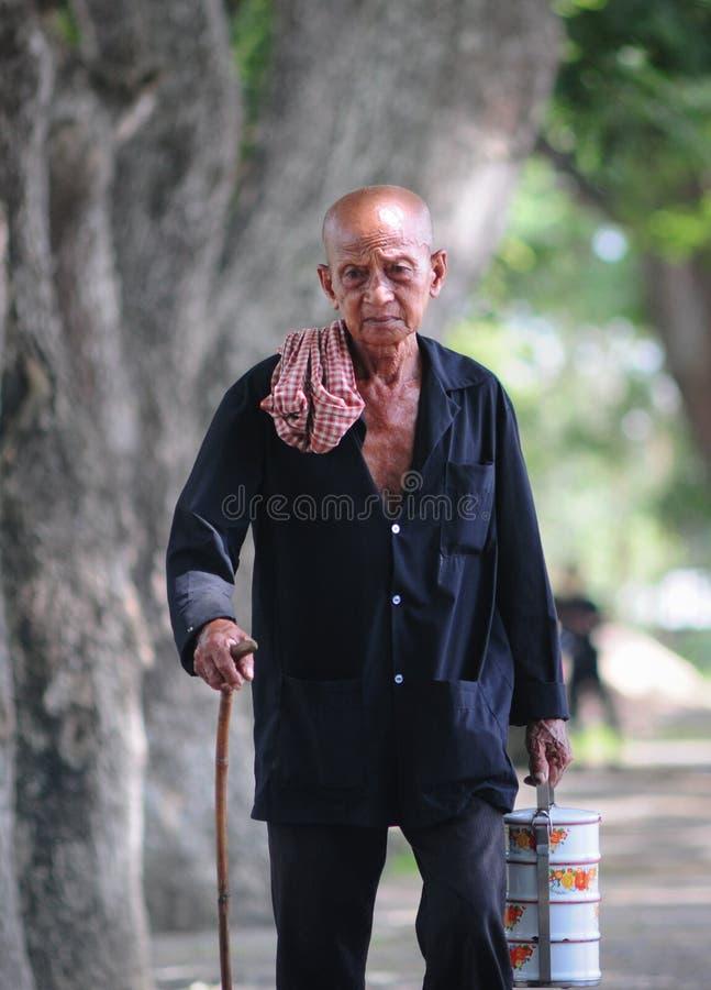 Portret Wietnamski stary człowiek zdjęcie stock