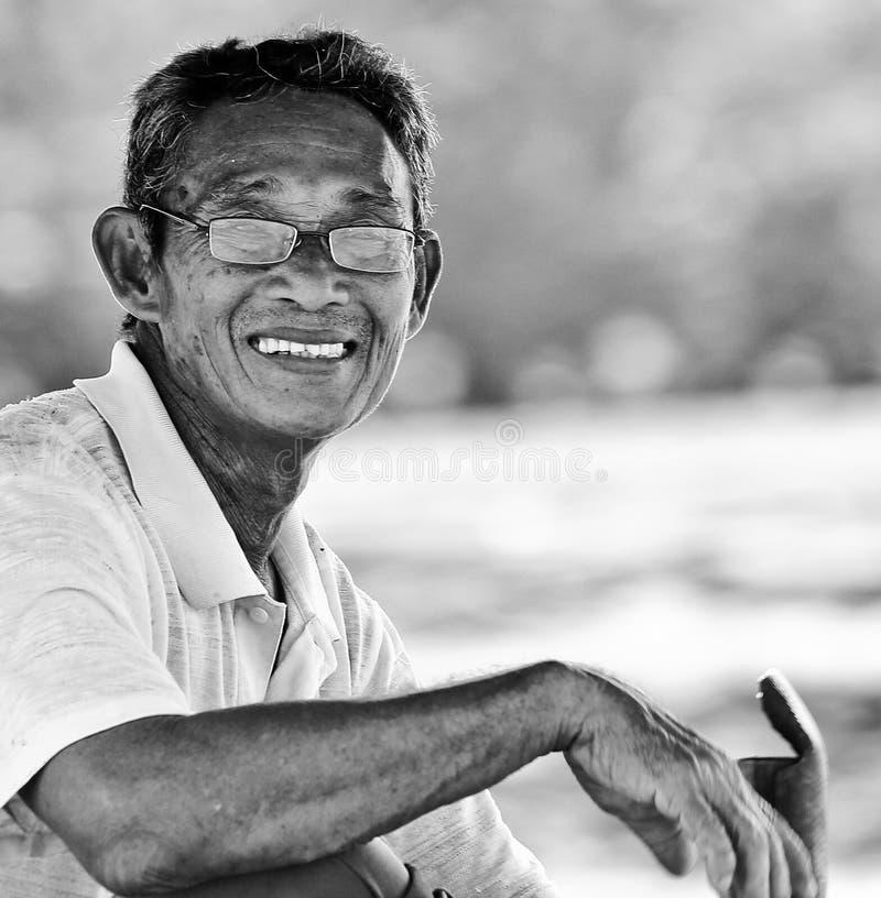Portret wioska chiński mężczyzna ono uśmiecha się od Kuching, Malezja obrazy stock