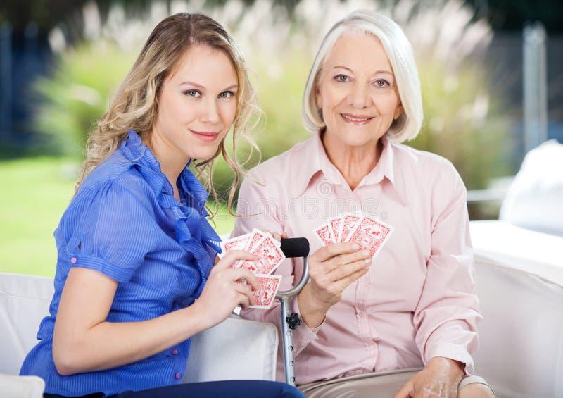 Portret wnuczki I babci Bawić się fotografia stock