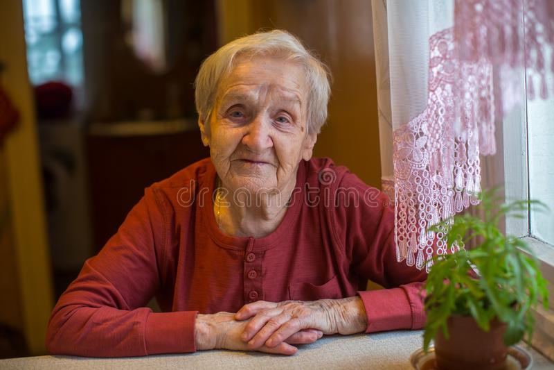 Download Portret Z Włosami Stare Kobiety Babcie Zdjęcie Stock - Obraz złożonej z twarz, ludzie: 106906040