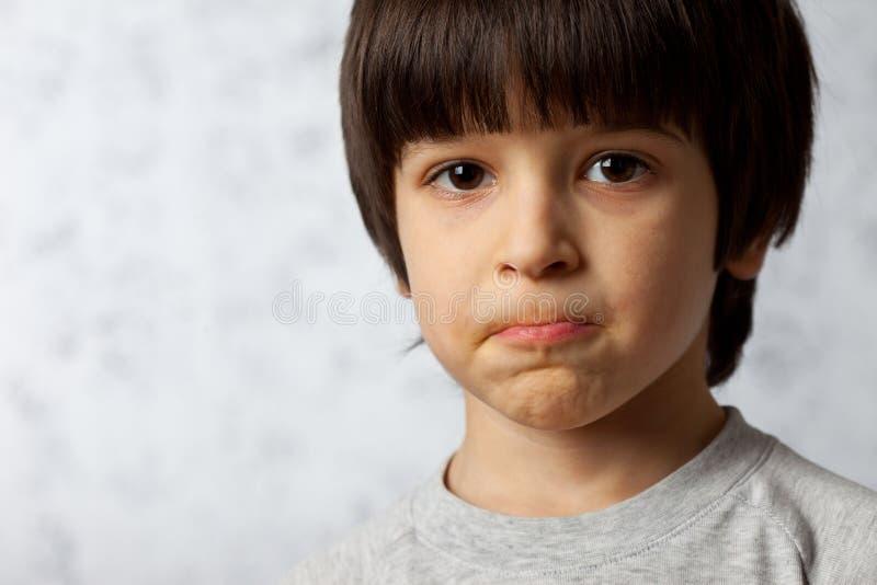 Portret zażarta chłopiec fotografia stock