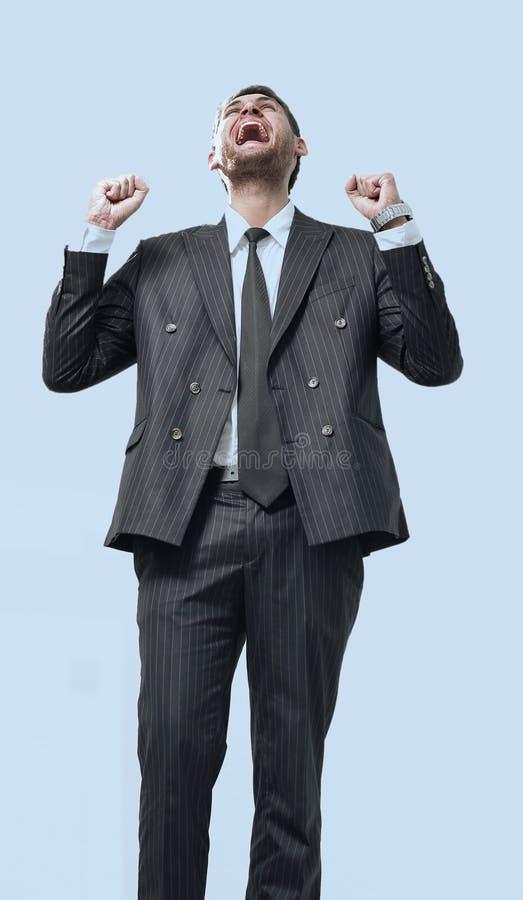 Portret, zegevierend die zakenman, op witte achtergrond wordt geïsoleerd stock afbeeldingen