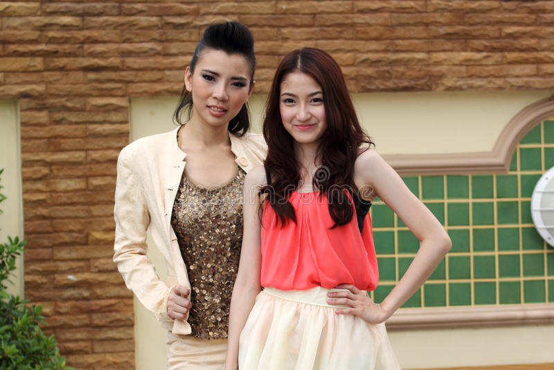 Portreta dwa Azjatycka piękna kobieta zdjęcie royalty free