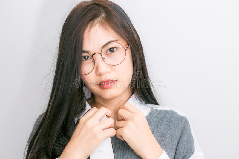 Portreta młodego azjatykciego głupka biznesowa kobieta z modnisiów szkieł cl obraz royalty free