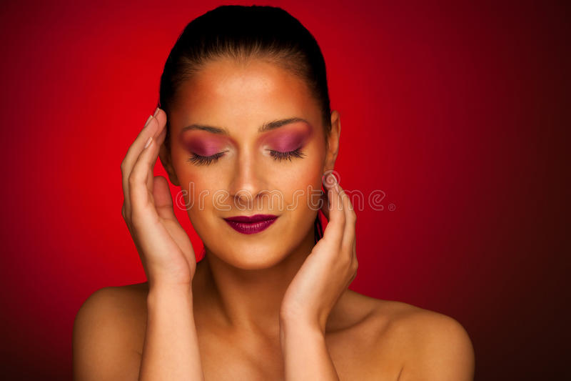Portrit di bellezza di bella donna castana immagine stock