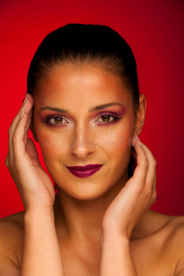 Portrit di bellezza di bella donna castana fotografie stock