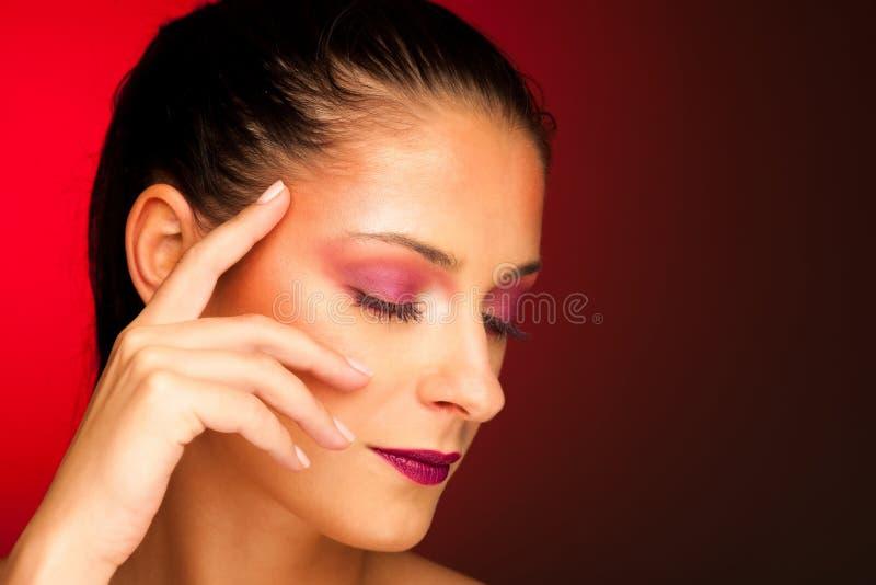 Portrit di bellezza di bella donna castana immagine stock libera da diritti