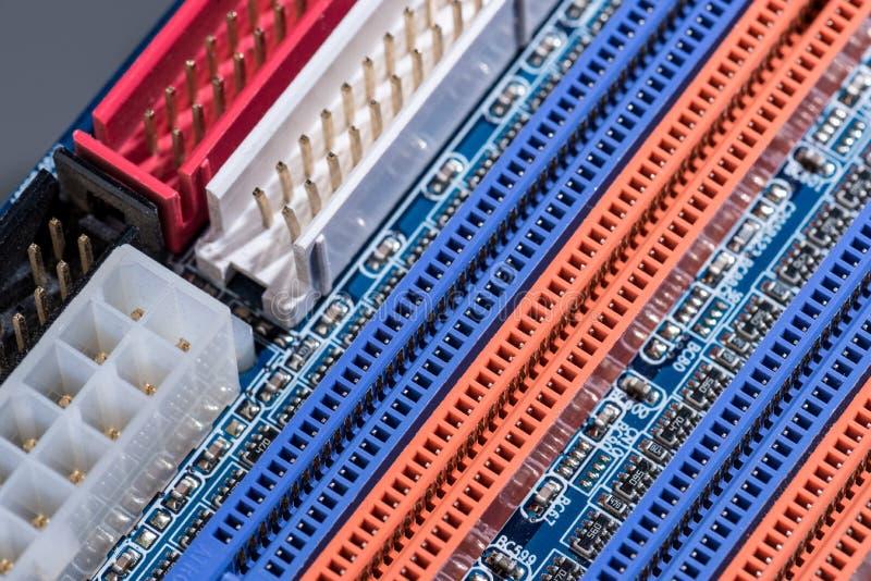 Ports colorés de carte mère d'ordinateur images libres de droits