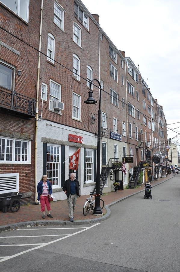 Portsmouth, am 30. Juni: Reihen-Gebäude des alten Hafens von Portsmouth in New Hampshire von USA stockbilder