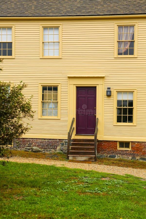PORTSMOUTH, NH, usa - Wrzesień 30, 2012: Hough dom przy Strawbery Banke muzeum obraz royalty free