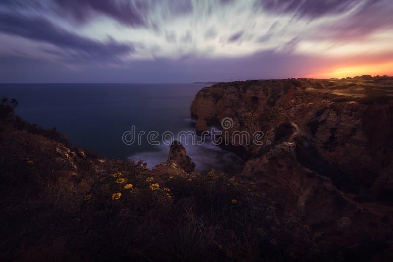 Portugal_Algarve_Coast_Sunset foto de stock