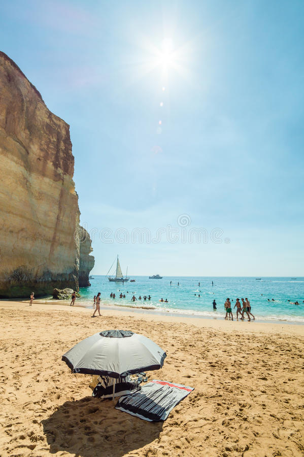 Portugal Algarve strand Praia de Benagil arkivfoton