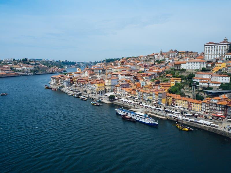 portugal Ciudad de Oporto Vista del terraplén del río del Duero imágenes de archivo libres de regalías